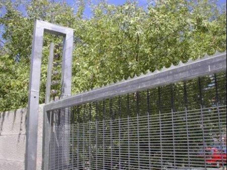 Custom design gordian fence sa for Custom design services